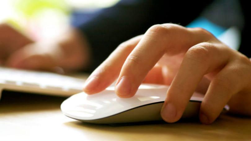 size_810_16_9_usuario-de-computador-mexe-no-mouse