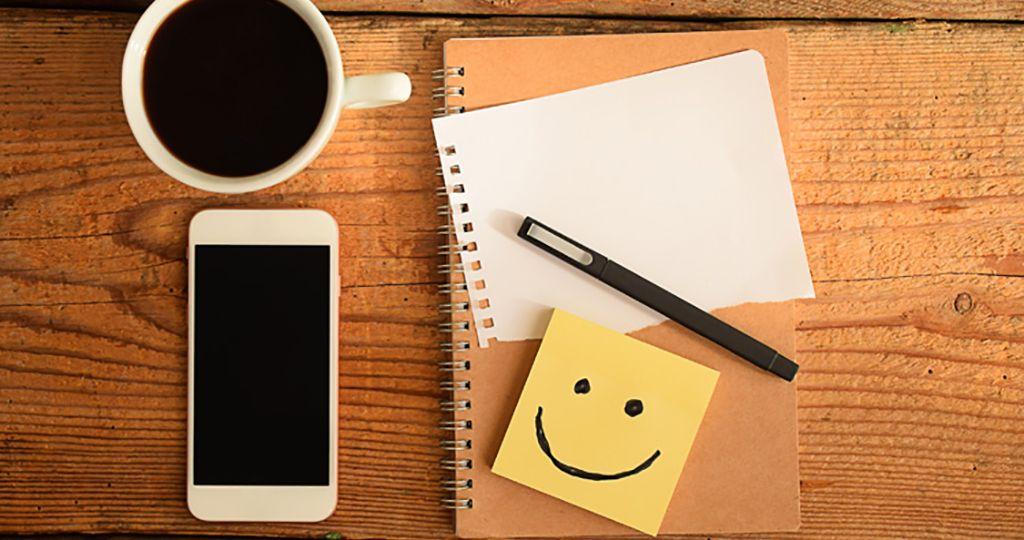 bloco-de-notas-feliz-celular_fr